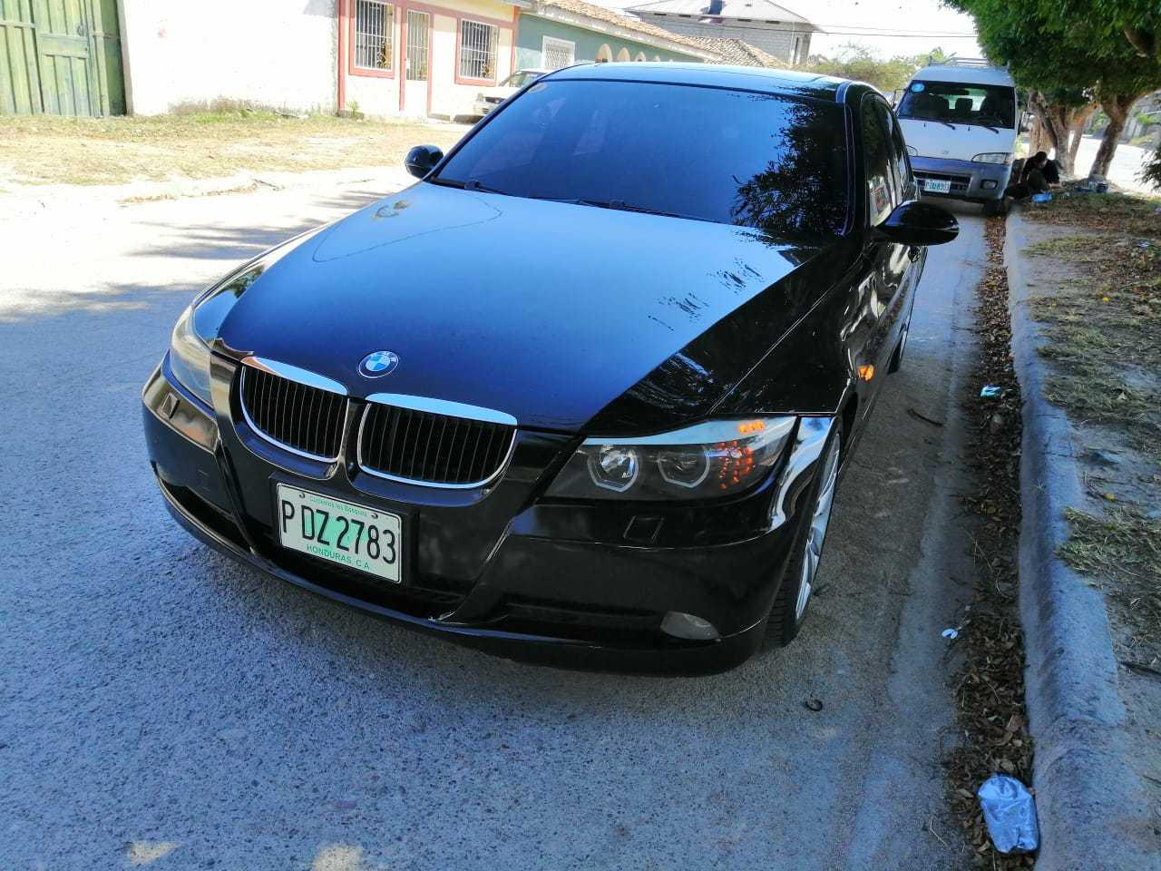 Venta de vehículo BMW 328i