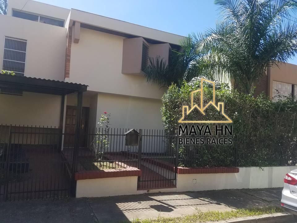 ¡Se alquila casa en Residencial Casavola!