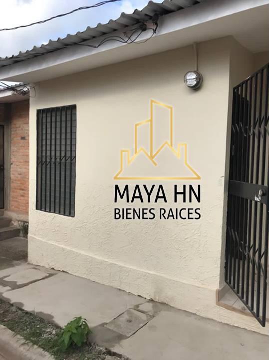 ¡Se vende casa en Prados Universitarios en circuito cerrado!