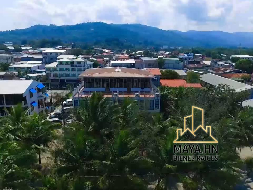 Se vende Hotel 3 estrellas frente la playa, Tela, Honduras