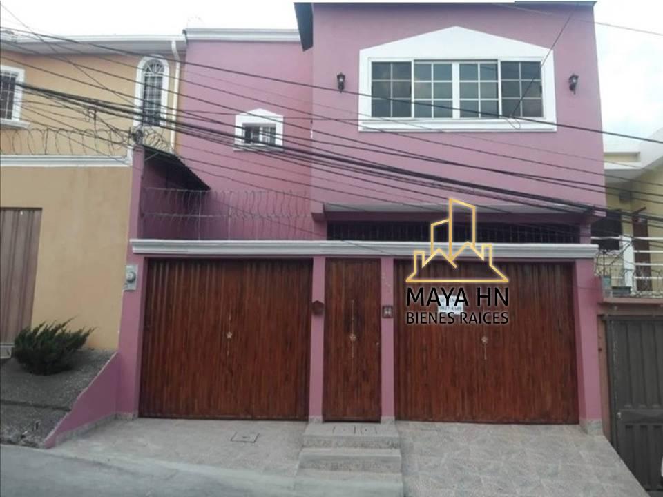 ¡Se vende casa en Altos del Trapiche!