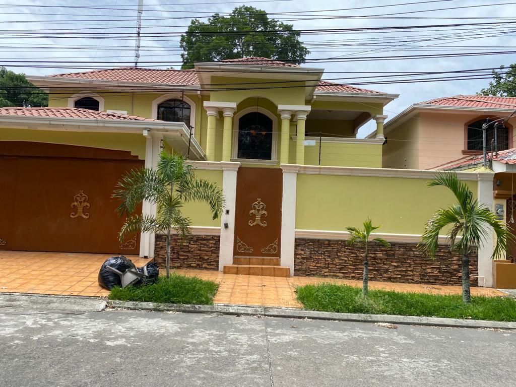 Se Vende Casa en Sector Mackay