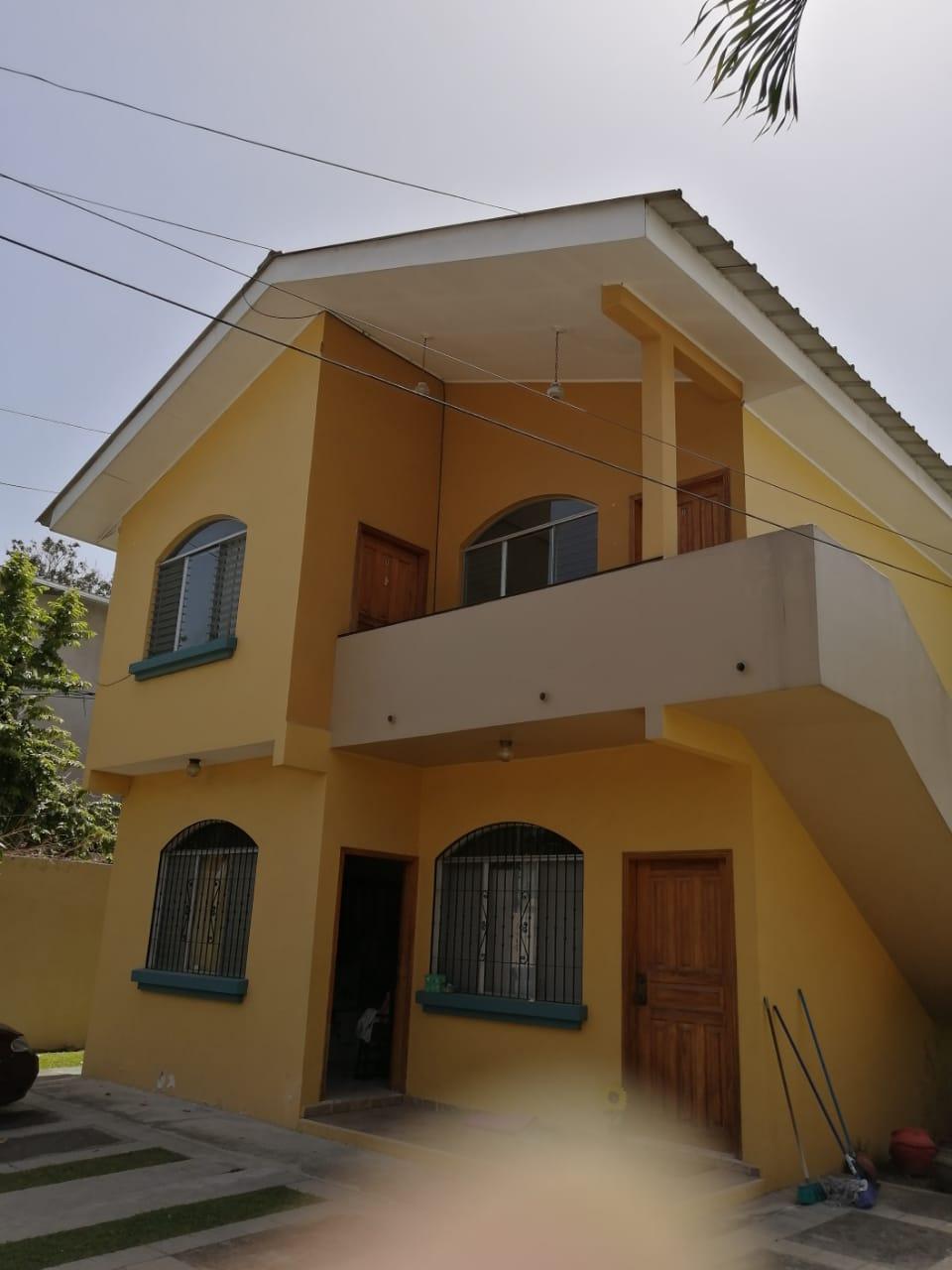 Se renta de un condominio en Tara