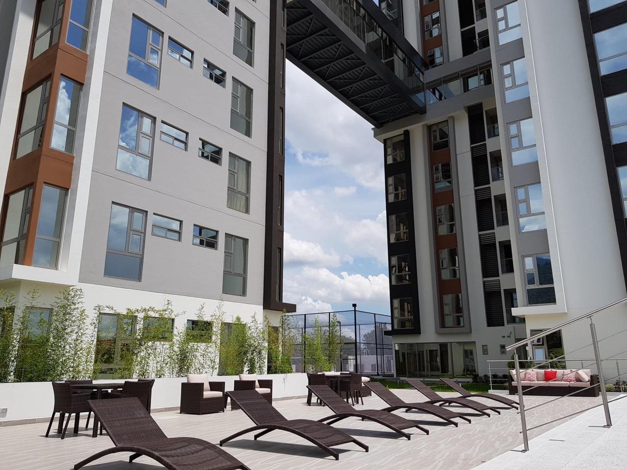 Se Renta lujoso Apartamento amueblado en Torres del Valle