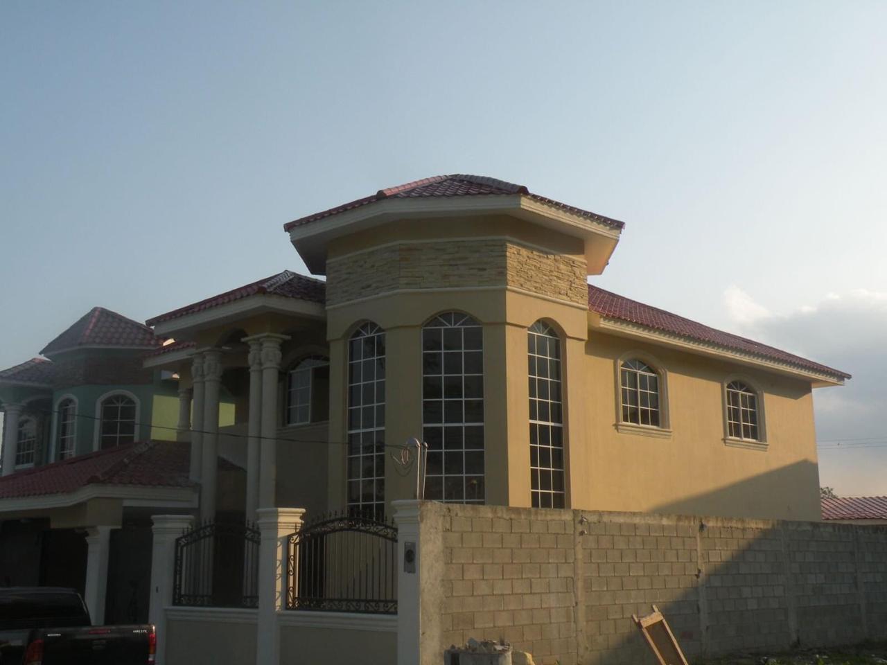 Renta de casa bonita en casa maya 1