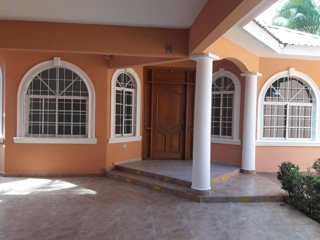 Casa en Venta en Jardines Del Valle, 2da etapa