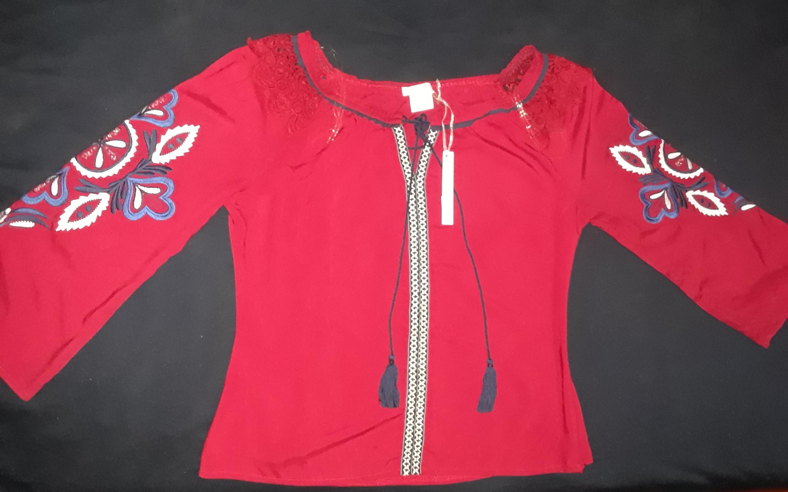 Blusa Roja Llamativa y linda!