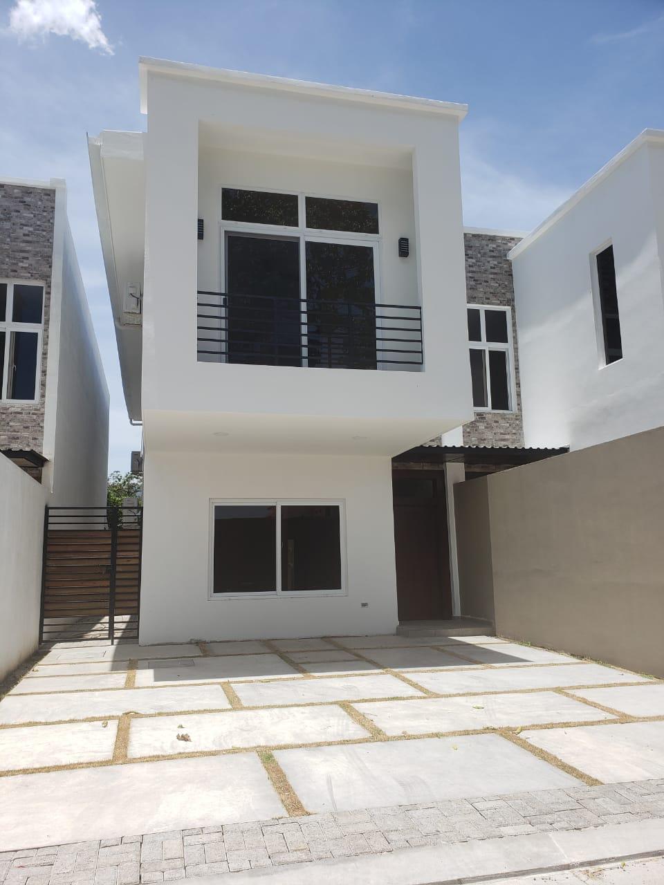 Se venden lindas casas listas para entrega en El Barrial #SPS #Honduras