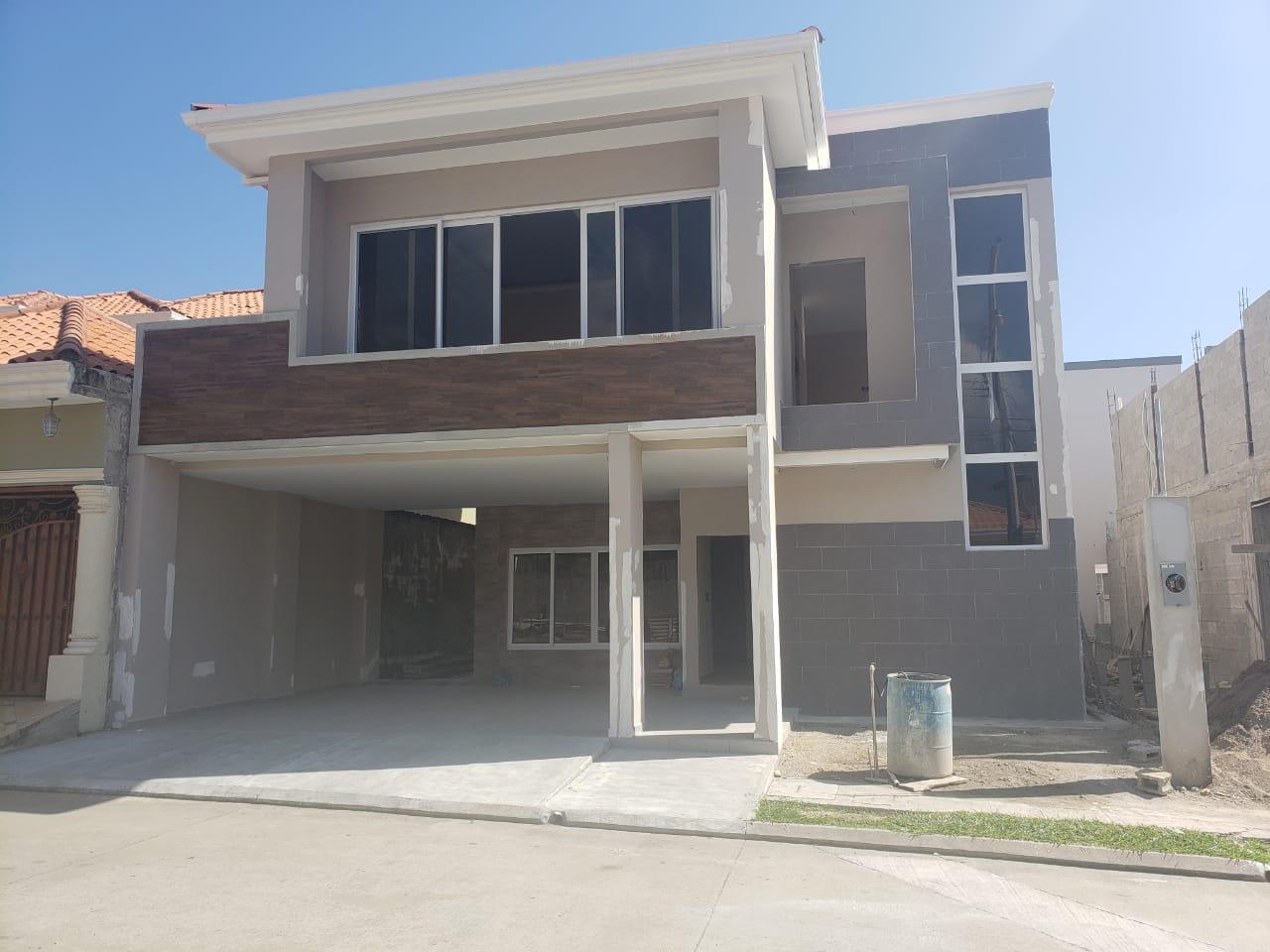 Se vende casa nueva en Res. Villas San Antonio
