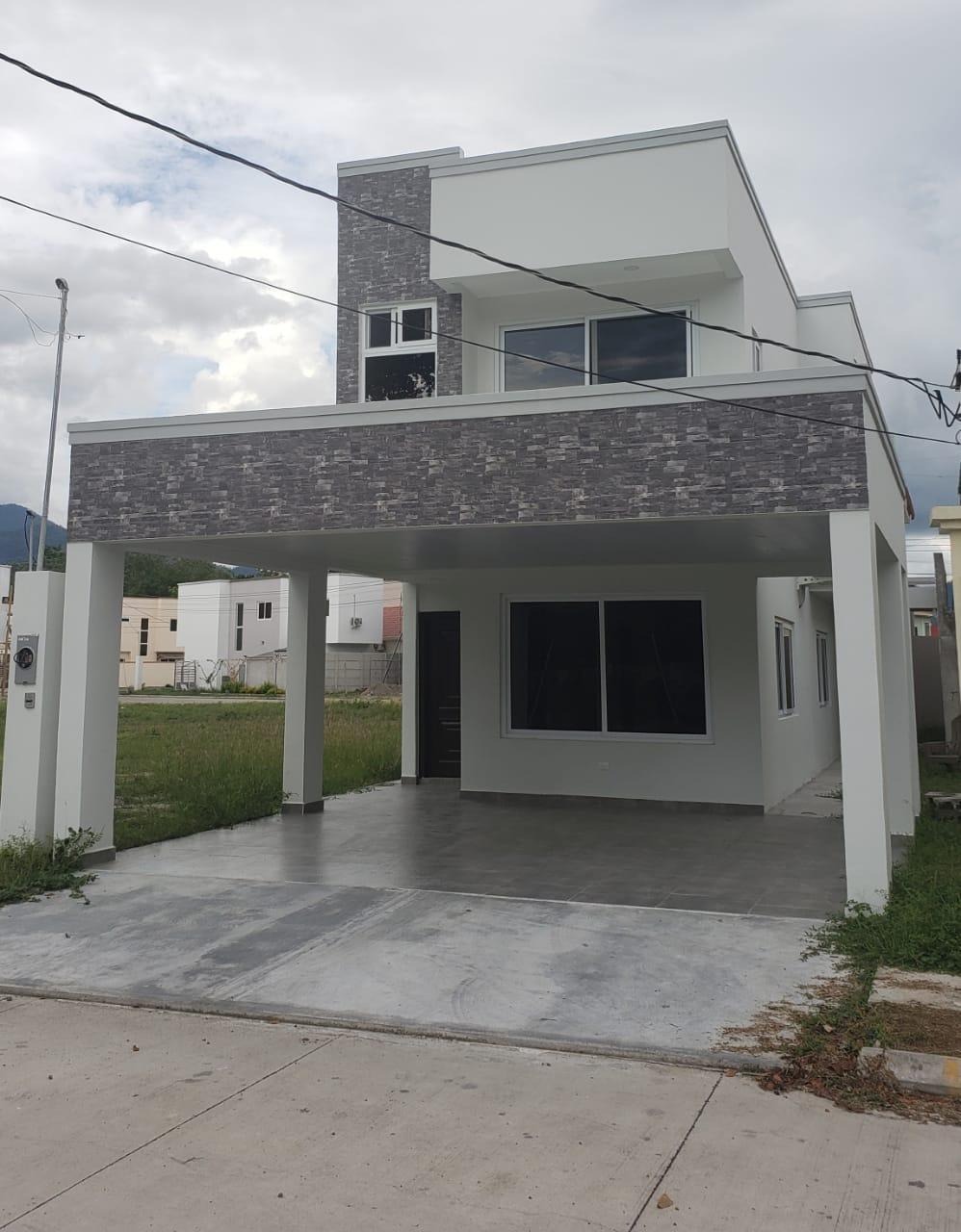 Se Vende en casa en Residencial Casa Maya