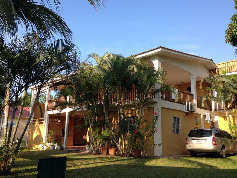 Casa en VENTA en los amates entre Marbella y brisas del caribe, Cortés.