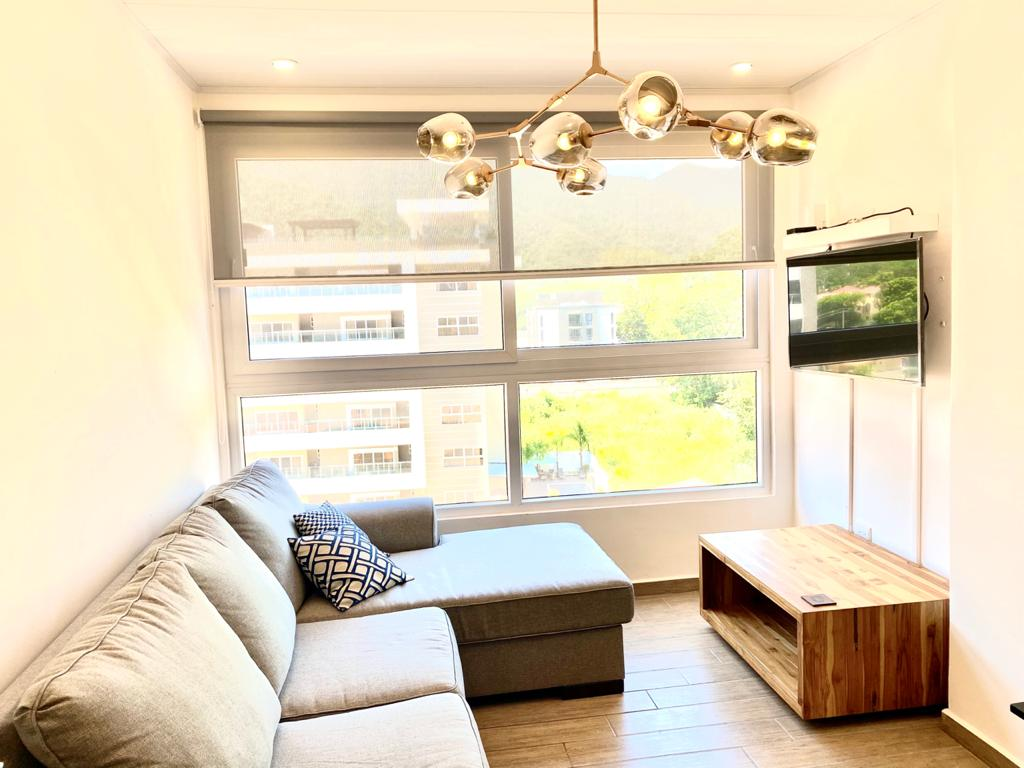 Se alquila lindo apartamento amueblado, sector Mackay