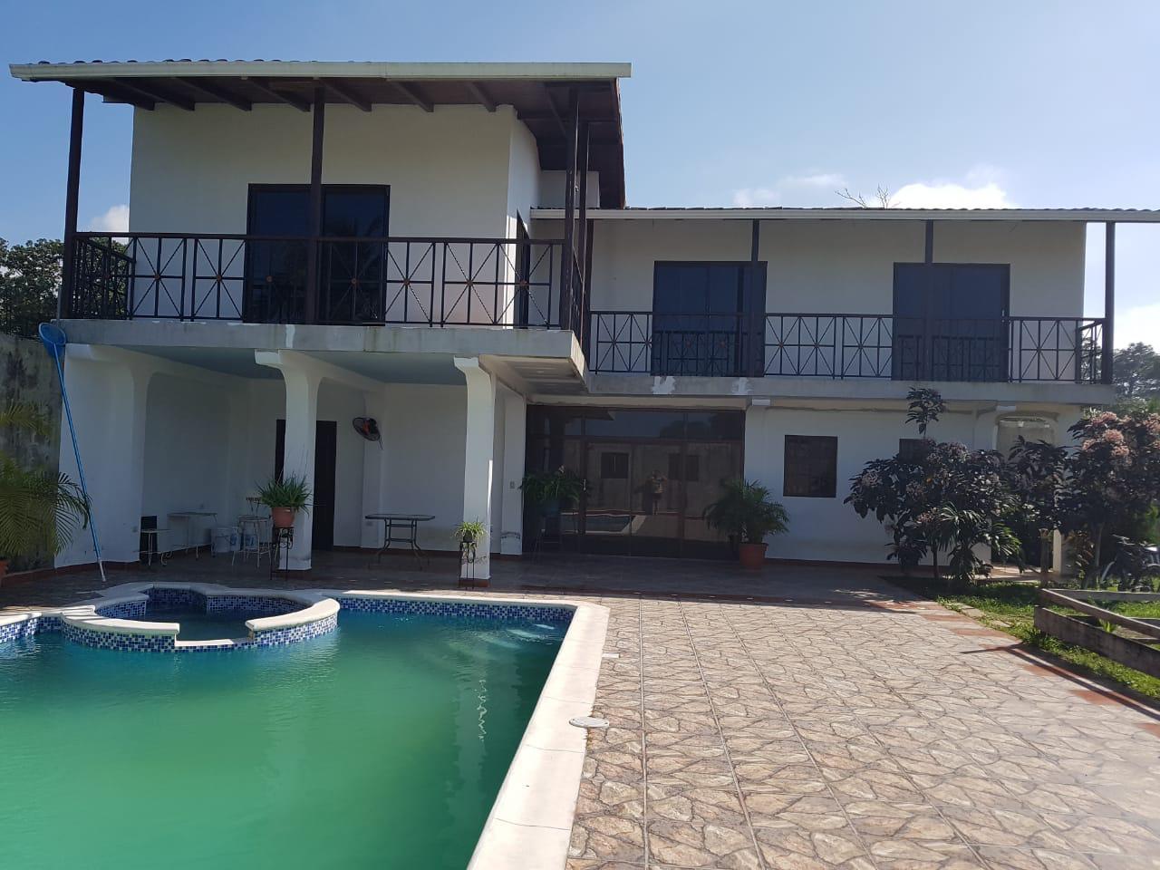 Se Vende Bella Casa de Playa en Omoa