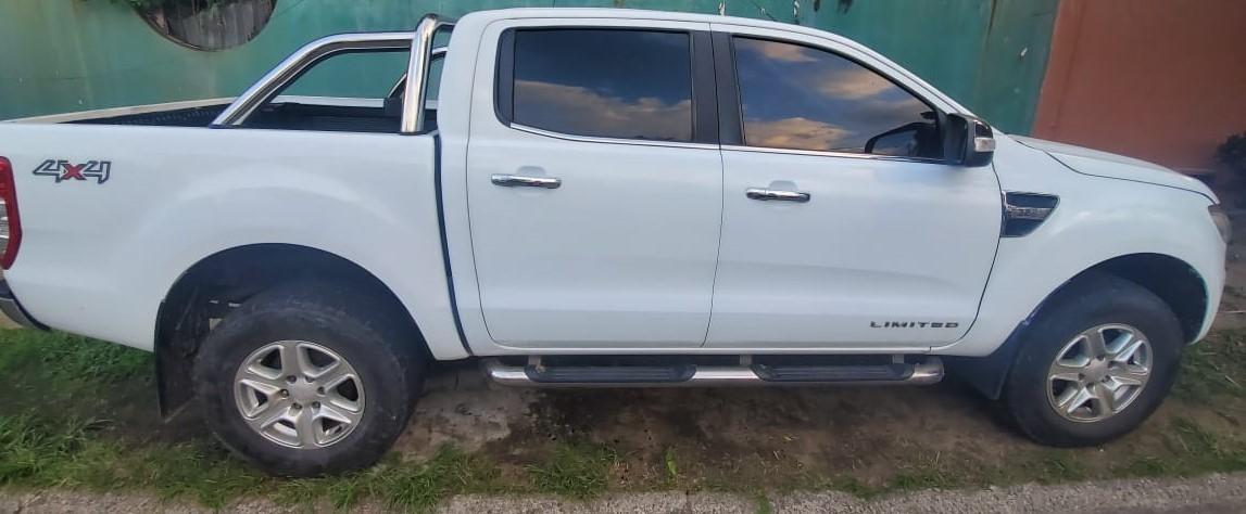 Vendo Ford Ranger 2013